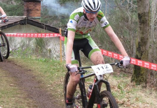 U 19 Mountainbiker Niclas Zimmer beim internationalen UCI-Rennen in der Schweiz am Start