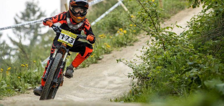 Erfolgreicher Saisonstart im Downhill Cup für das Team Schiffenberg der <span class=